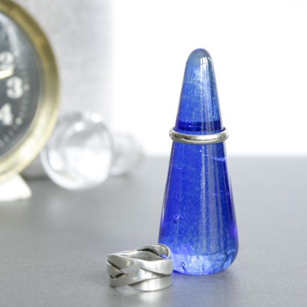 Solid Glass Ring Holder Cone